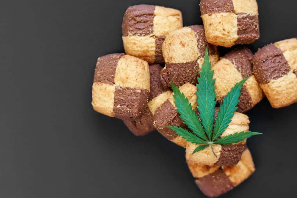 cookies with a marijuana leaf on them, cookie dough strain